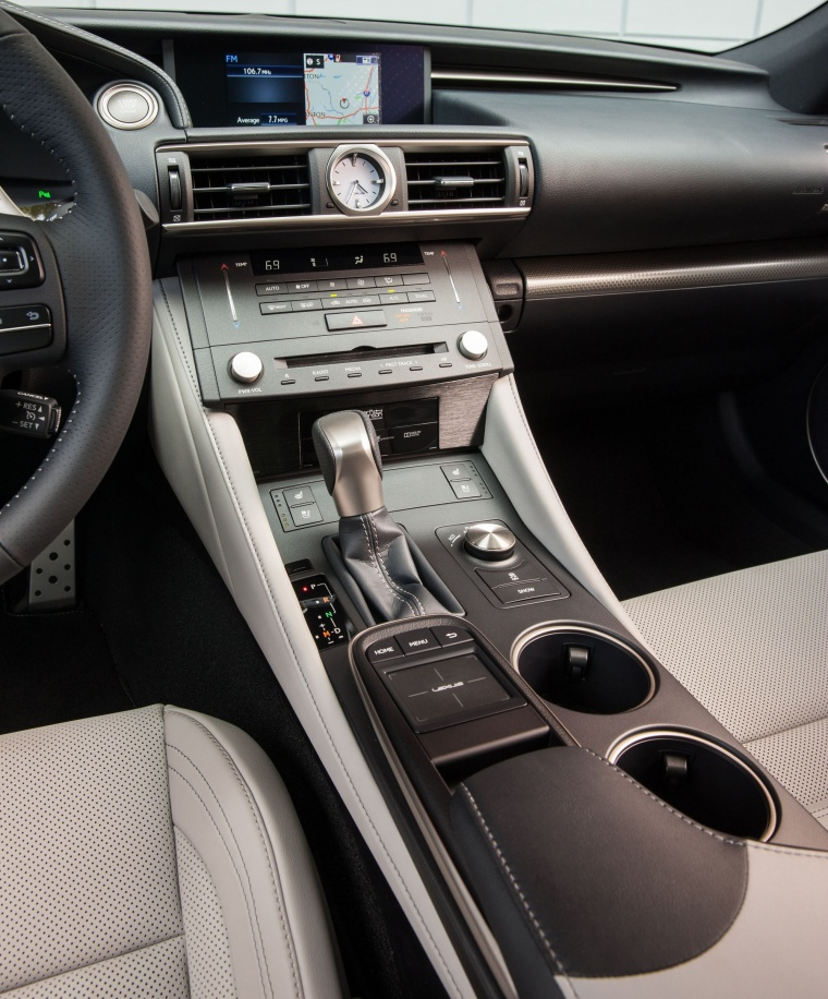 2016 Lexus RC350 F-Sport Center Console Picture