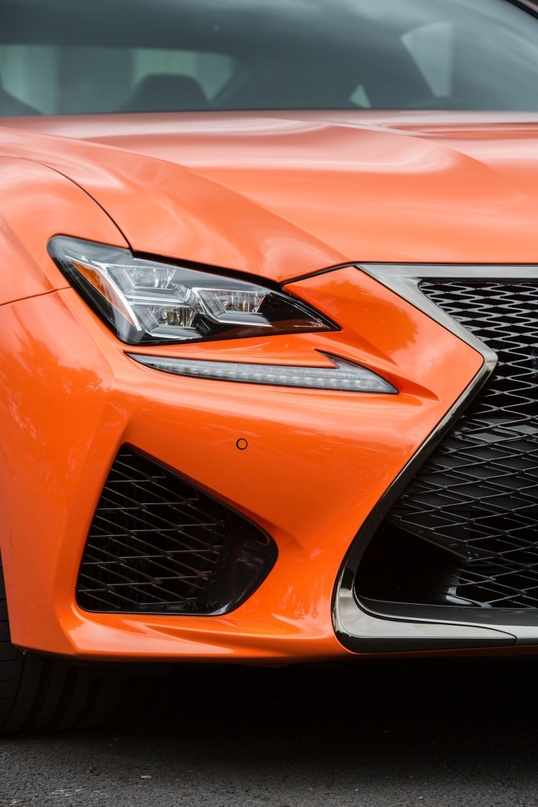 2016 Lexus RC-F Headlight Picture
