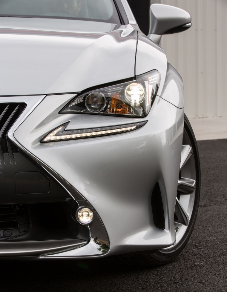 2017 Lexus RC350 F-Sport Headlight Picture
