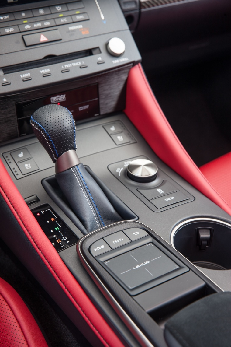 2017 Lexus RC-F Center Console Picture