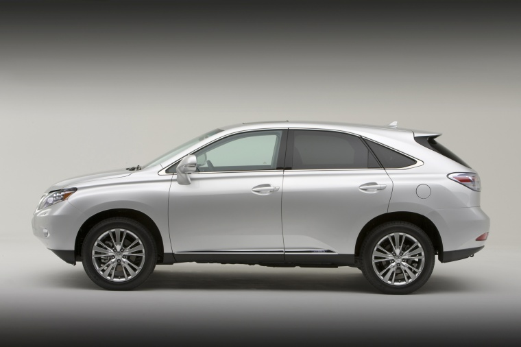 2011 Lexus RX450h in Tungsten Pearl from a side view