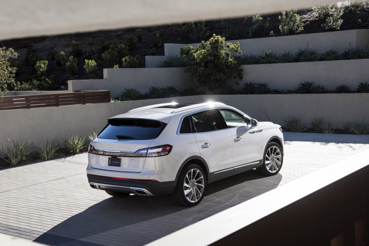 Picture of a 2020 Lincoln Nautilus 2.7T AWD in Ceramic Pearl from a rear right three-quarter top perspective