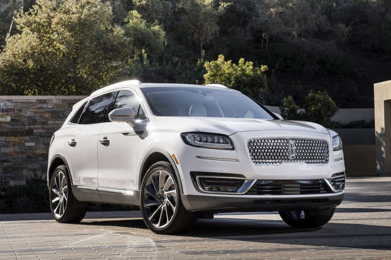 Picture of a 2020 Lincoln Nautilus 2.7T AWD in Ceramic Pearl from a front right perspective