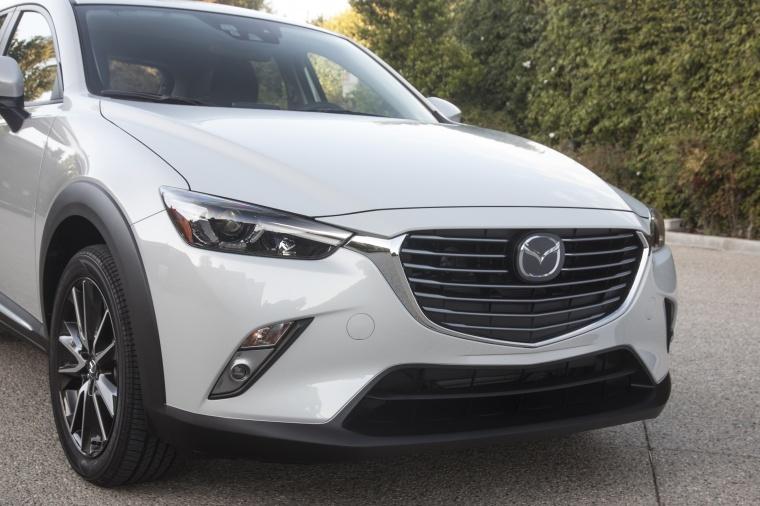 2017 Mazda CX-3 AWD Headlights Picture