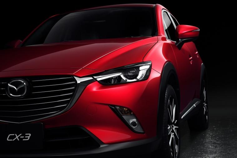 2017 Mazda CX-3 Headlight Picture