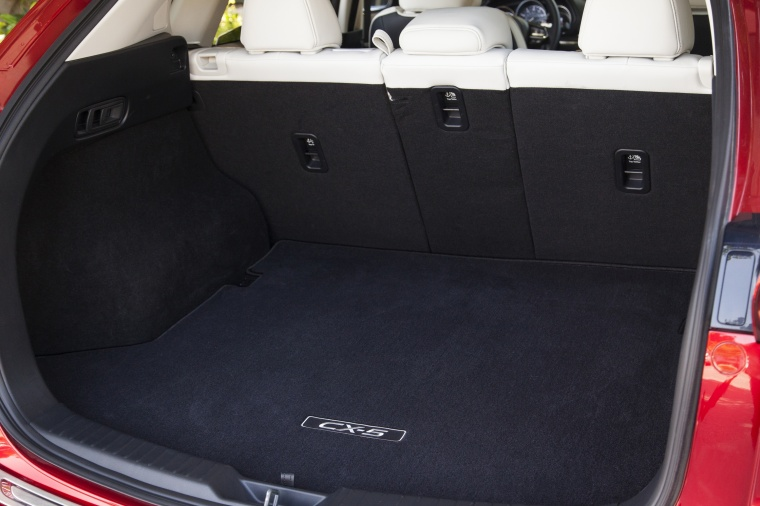 2018 Mazda CX-5 Grand Touring AWD Trunk Picture
