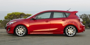 2010 Mazda Mazda3 Reviews / Specs / Pictures / Prices