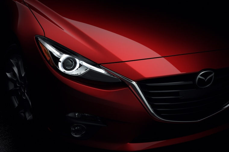 2014 Mazda Mazda3 Hatchback Headlight Picture