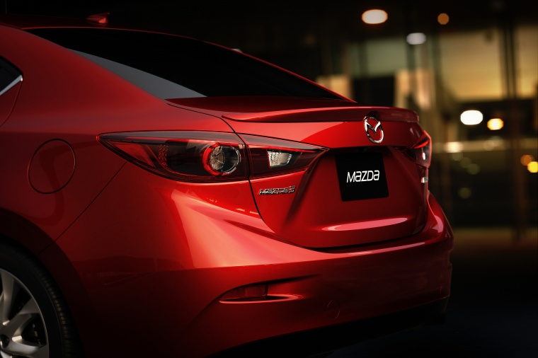 2014 Mazda Mazda3 Sedan Tail Light Picture