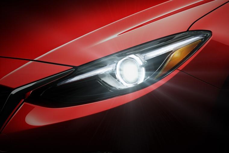 2016 Mazda Mazda3 Sedan Headlight Picture