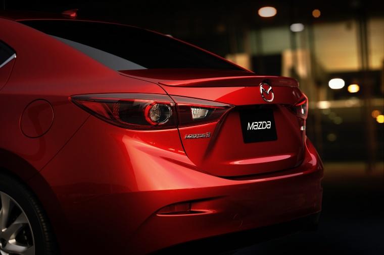 2016 Mazda Mazda3 Sedan Tail Light Picture