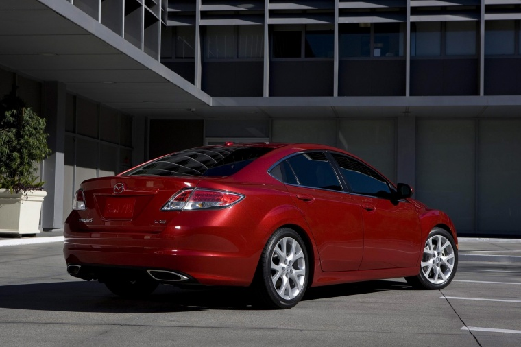 2010 Mazda 6s in Sangria Red Mica from a rear right three-quarter view