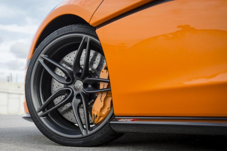 2016 McLaren 570S Coupe Rim Picture