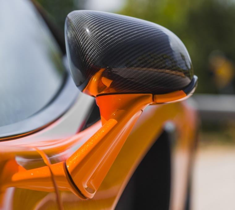 2016 McLaren 570S Coupe Door Mirror Picture