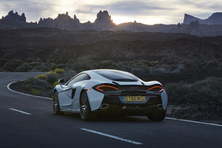 2017 McLaren 570GT Coupe Picture