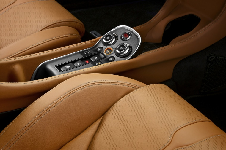 2017 McLaren 570S Coupe Center Console Picture