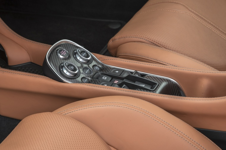 2017 McLaren 570GT Coupe Center Console Picture