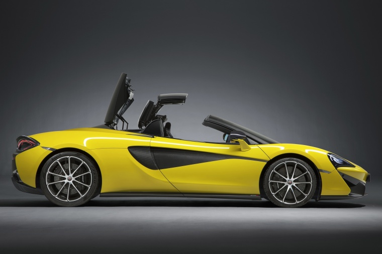 2018 McLaren 570S Spider with top closing Picture