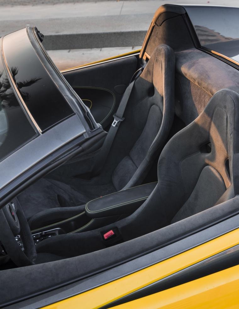 2018 McLaren 570S Spider Front Seats Picture