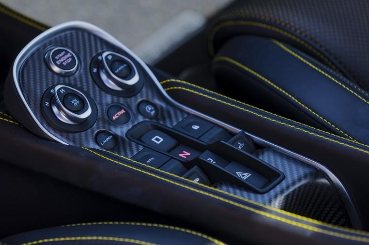 2018 McLaren 570S Spider Center Console Picture