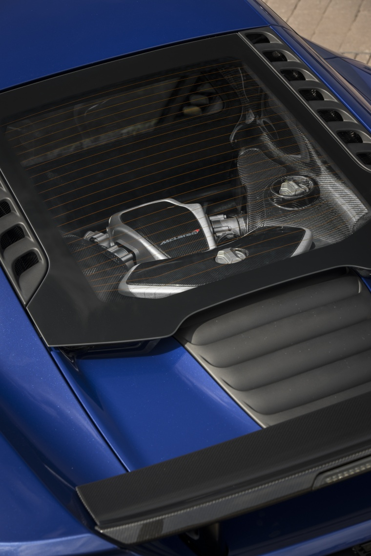 2016 McLaren 650S Coupe 3.8L V8 twin-turbo Engine Picture