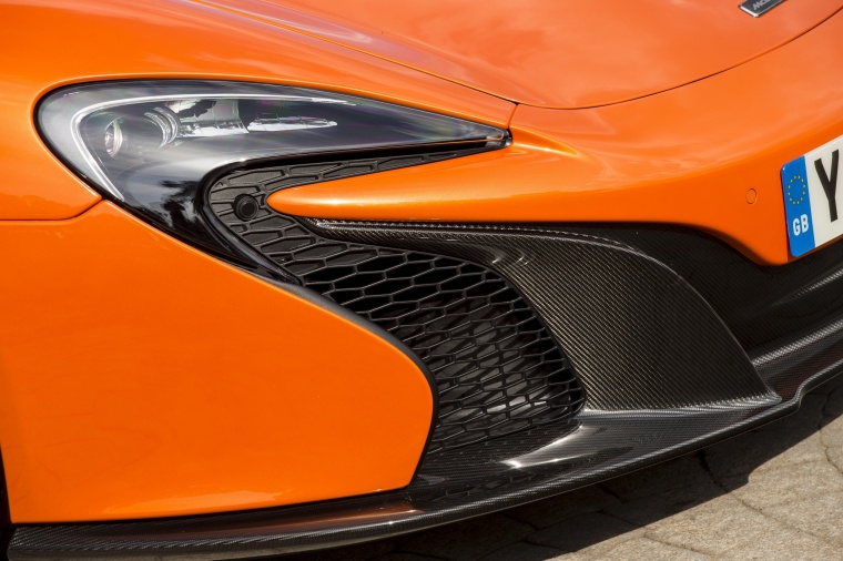 2016 McLaren 650S Spider Headlight Picture