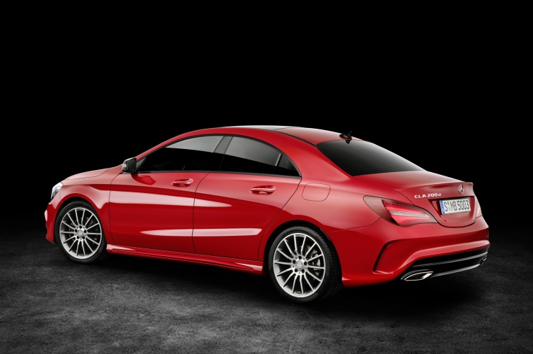 2018 Mercedes-Benz CLA-Class 4-door Coupe Picture
