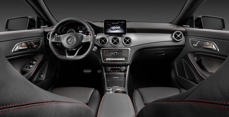 2018 Mercedes-Benz CLA-Class 4-door Coupe Cockpit Picture