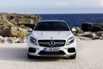 Picture of a 2019 Mercedes-AMG GLA 45 4MATIC in Polar White from a frontal perspective