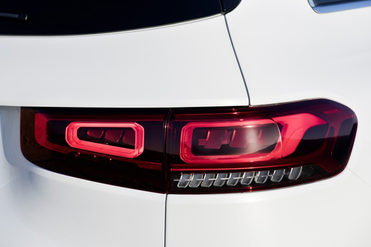 2020 Mercedes-Benz GLB 250 Tail Light Picture