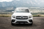 Picture of a 2020 Mercedes-Benz GLB 250 in Polar White from a frontal perspective