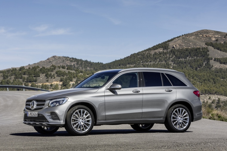 2016 Mercedes Benz Glc Class In Iridium Silver Metallic