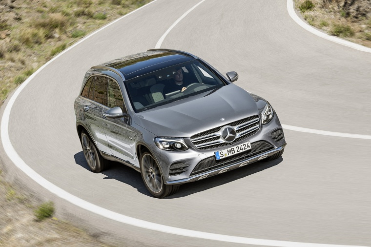 2016 mercedes benz glc class in iridium silver metallic color driving front right view. Black Bedroom Furniture Sets. Home Design Ideas
