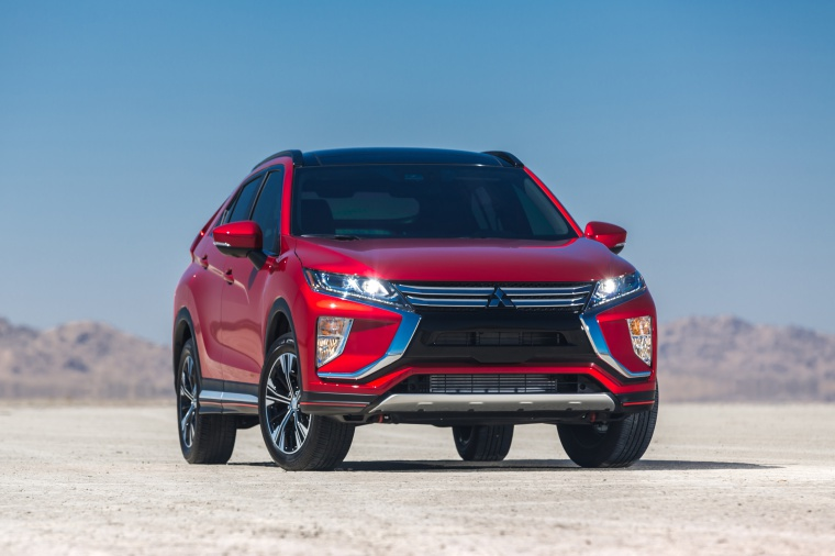Picture of a 2019 Mitsubishi Eclipse Cross SEL S-AWC in Red Diamond from a frontal perspective