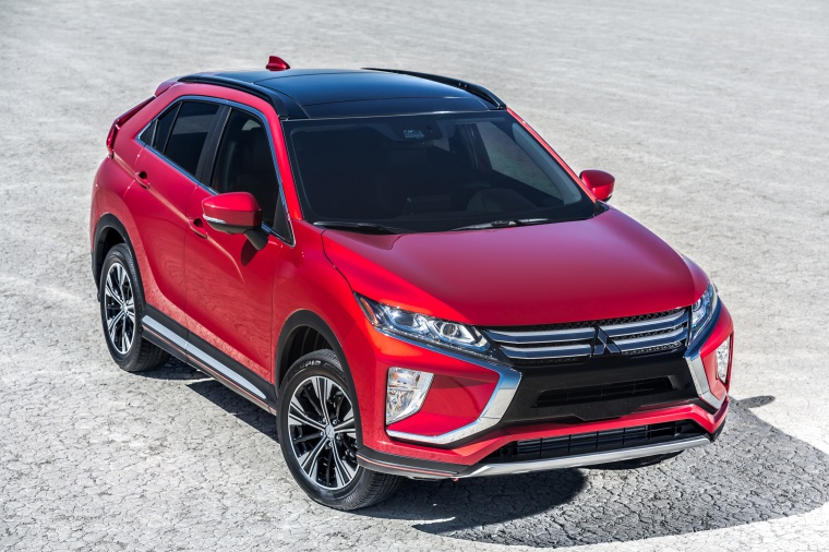 Picture of a 2019 Mitsubishi Eclipse Cross SEL S-AWC in Red Diamond from a front right three-quarter perspective