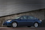 2010 Nissan Altima 2.5 in Navy Blue Metallic - Static Side View