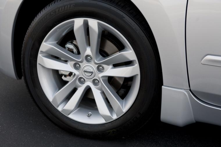 2012 Nissan Altima 3.5 SR Rim Picture