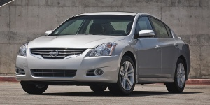 2012 Nissan Altima Pictures