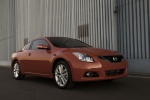 2013 Nissan Altima Coupe - Static Front Right Three-quarter View