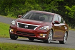 2013 Nissan Altima Sedan 3.5 SL in Cayenne Red Metallic - Driving Front Left View