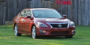 2013 Nissan Altima Pictures