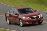 2014 Nissan Altima Sedan 3.5 SL in Cayenne Red Metallic - Driving Front Right Three-quarter View