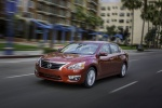 2015 Nissan Altima Sedan 2.5 SV in Cayenne Red Metallic - Driving Front Left Three-quarter View