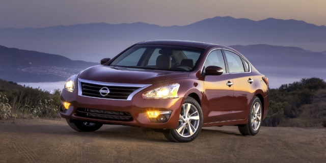 2015 Nissan Altima Pictures