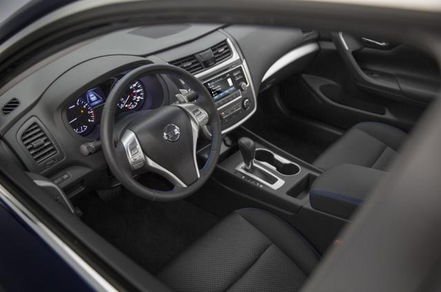 2016 Nissan  Altima Picture