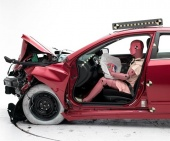 2016 Nissan Altima IIHS Frontal Impact Crash Test Picture