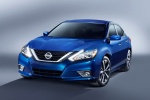2016 Nissan Altima SR in Deep Blue Pearl - Static Frontal View