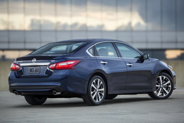 2017 Nissan Altima SR in Deep Blue Pearl from a rear right three-quarter view