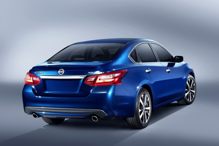 2018 Nissan Altima SR in Deep Blue Pearl from a rear right view