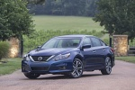 2018 Nissan Altima SR in Deep Blue Pearl - Static Front Left Three-quarter View
